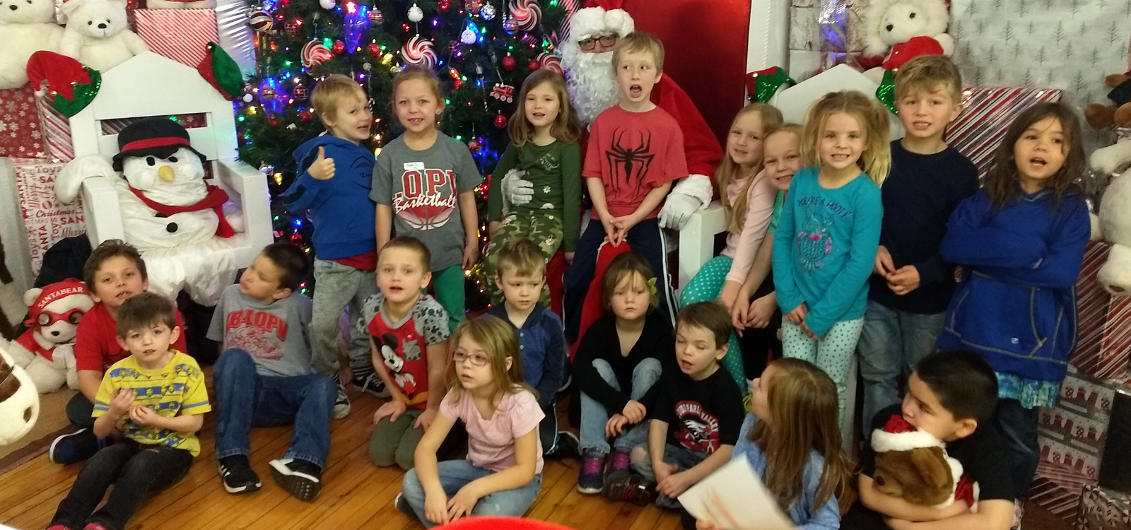 Kindergartners at Santaland!